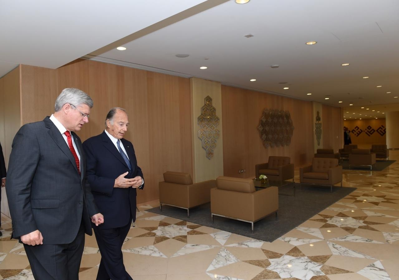 Mawlana Hazar Imam and Prime Minister Harper tour the Ismaili Centre, Toronto.