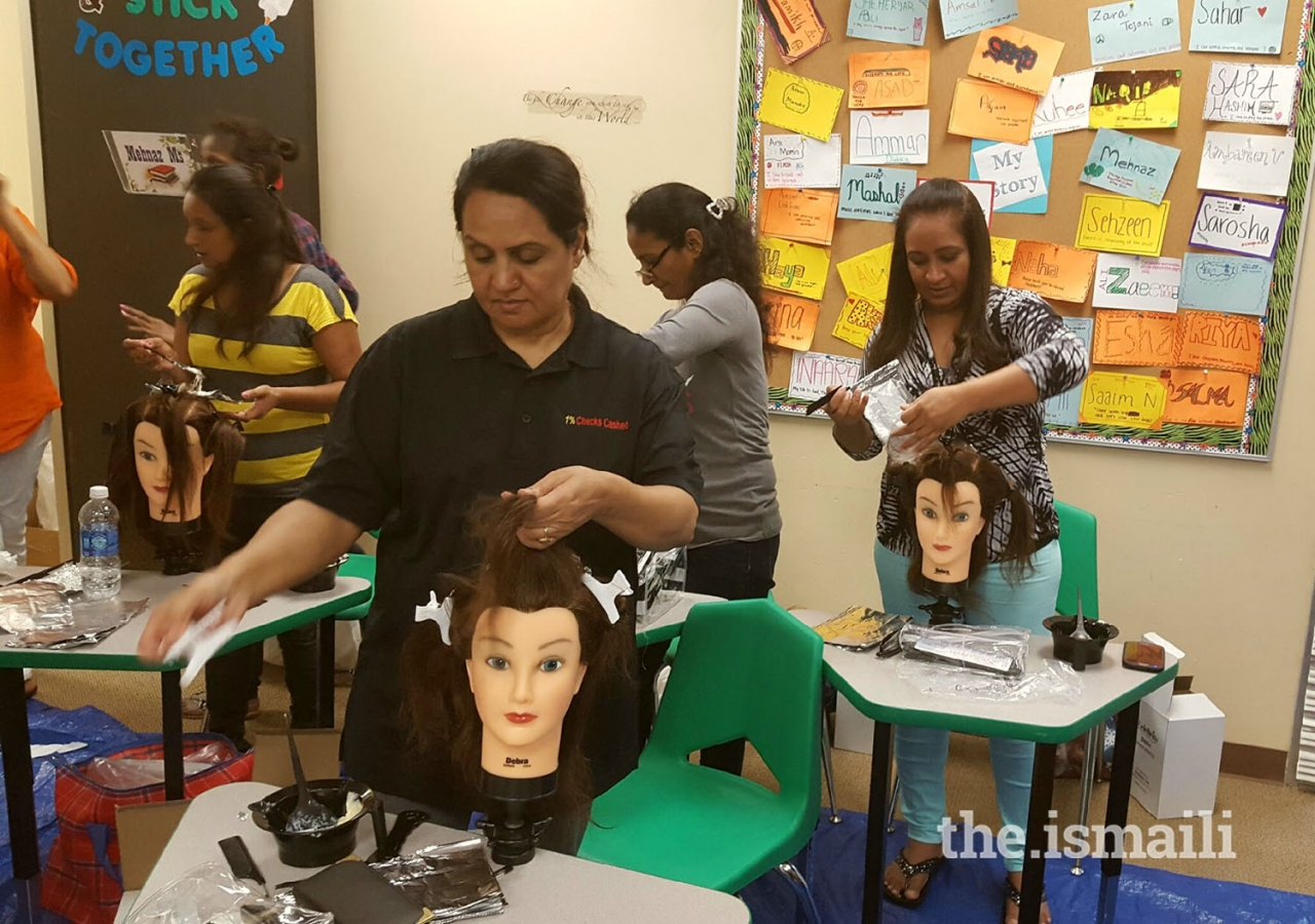 A cosmetology class in Dallas.