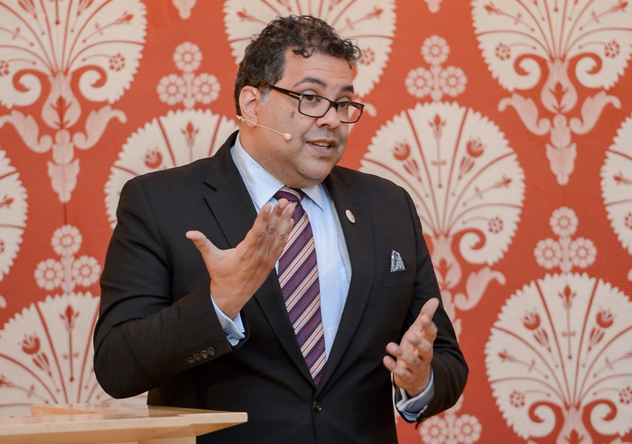 His Worship, Naheed Nenshi, Mayor of the City of Calgary, speaks to a full-house at the Ismaili Centre, Toronto as part of the Ismaili Centre Canada 150 Series