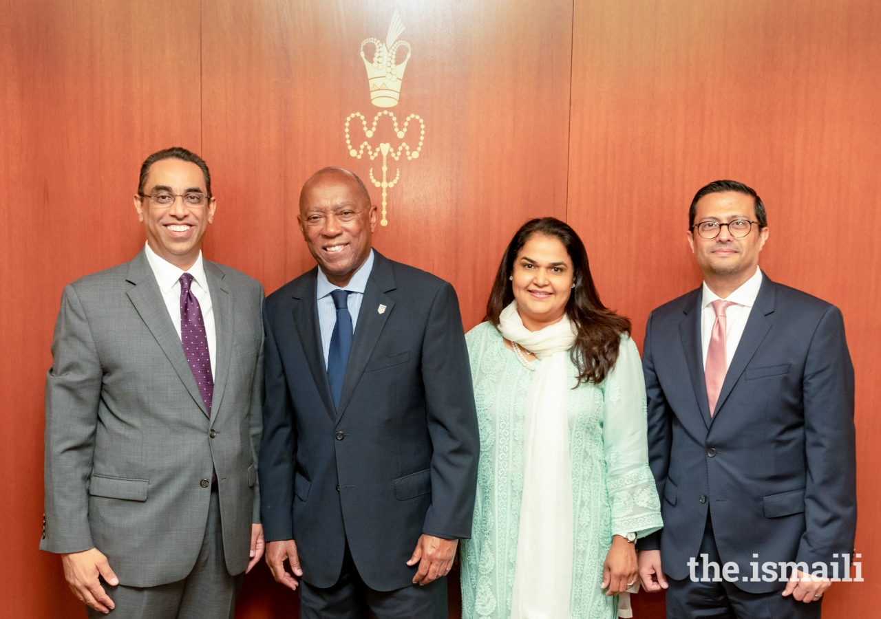 Ismaili Council Leadership meeting with the Keynote Speaker Mayor Sylvester Turner. From left to right: President Al-Karim Alidina, Aga Khan Council for USA; Mayor Sylvester Turner, City of Houston; Vice President Celina Shariff, Aga Khan Council for USA; President Murad Ajani, Aga Khan Council SW USA.