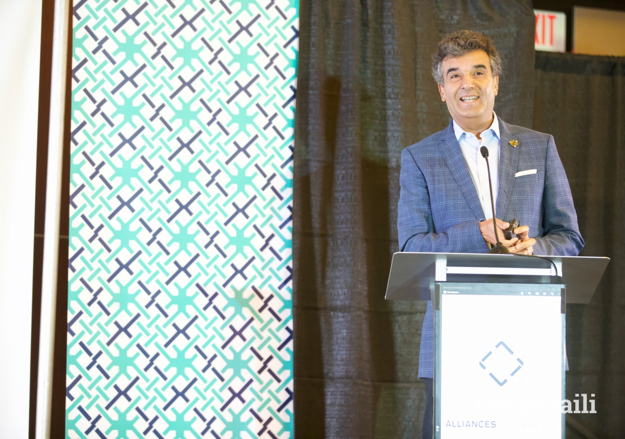 Asiff Hirji, President and Chief Operating Officer at Coinbase, led the opening address to over 600 Ismaili professionals and entrepreneurs from across the US at DJAC2018.