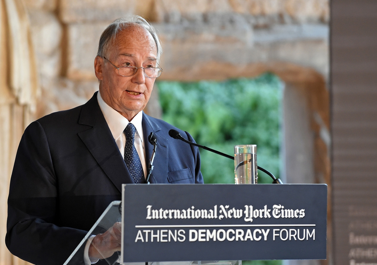 Speaking on the challenges facing democracy, Mawlana Hazar Imam said it must contribute towards helping society achieve a better quality of life. AKDN / Gary Otte