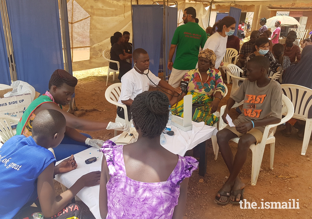 To commemorate World Health Day 2019, volunteers from the Aga Khan Health Board and Outreach Portfolio Uganda, in collaboration with the Kibuli Hospital in Kampala, hosted a free medical camp.