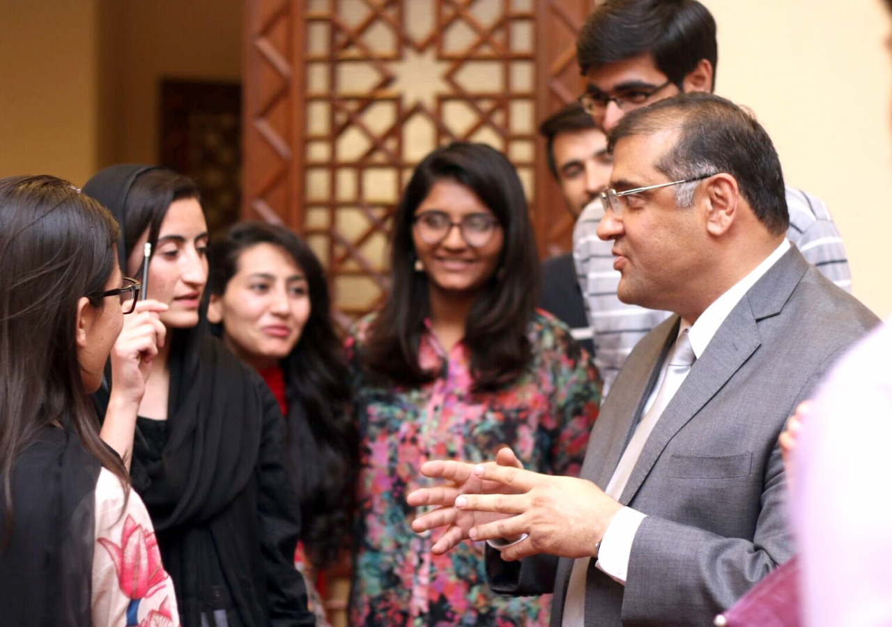 President Hafiz Sherali talks to young leaders