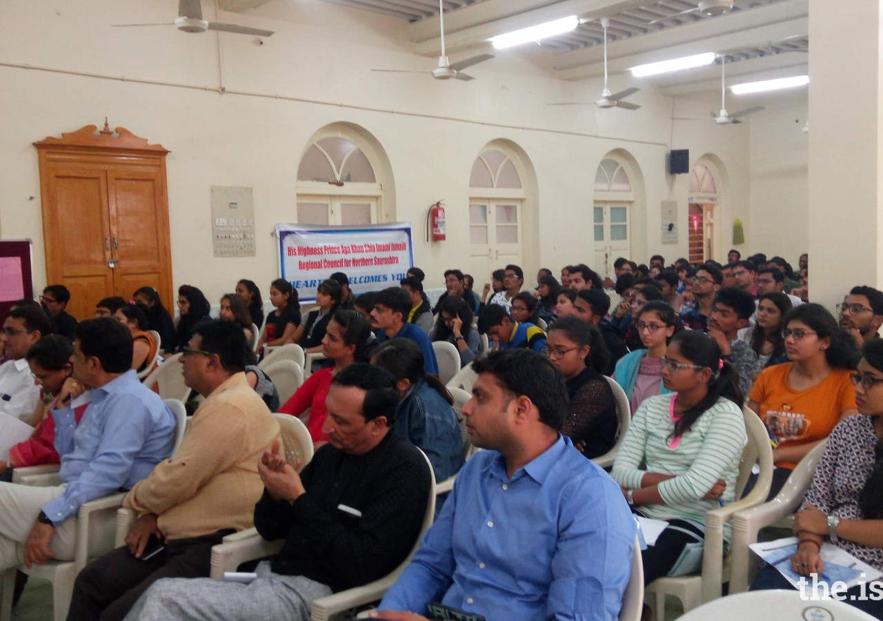 """Students at Rajkot engrossed in a panel discussion of experts as part of the """"Campus to Corporate Programme"""""""