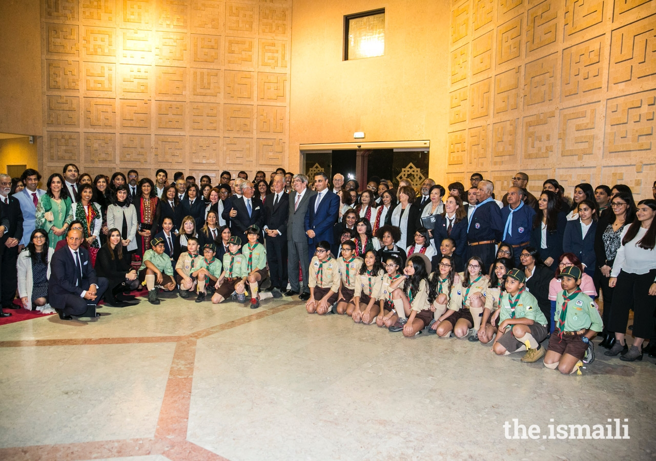 On the occasion to commemorate 20 years of the Ismaili Centre Lisbon, the President of the Portuguese Republic, Marcelo Rebelo de Sousa, joined the Ismaili volunteers and leaders of the Jamat for a group photo.