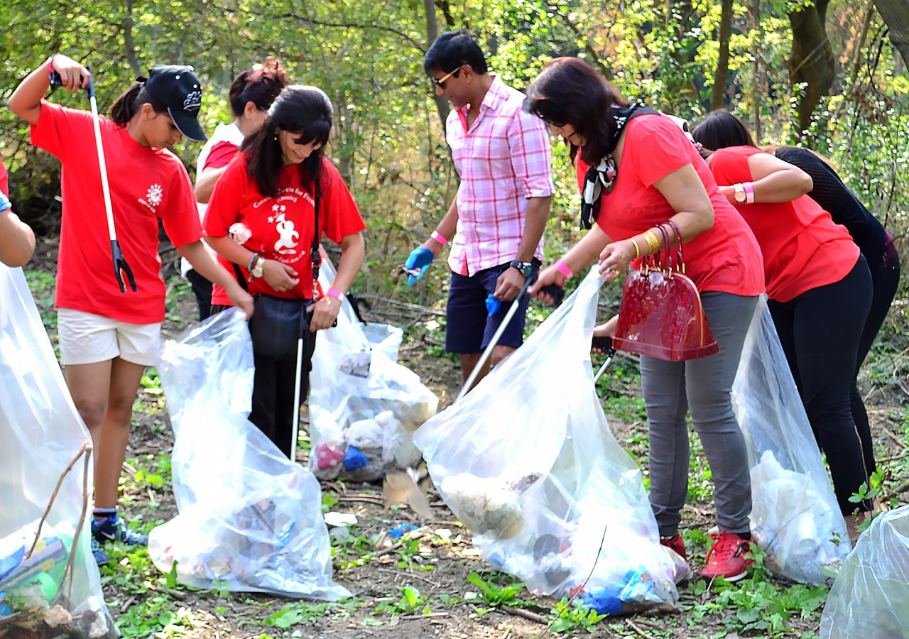 mississauga cleans up local park for ismaili civic 150