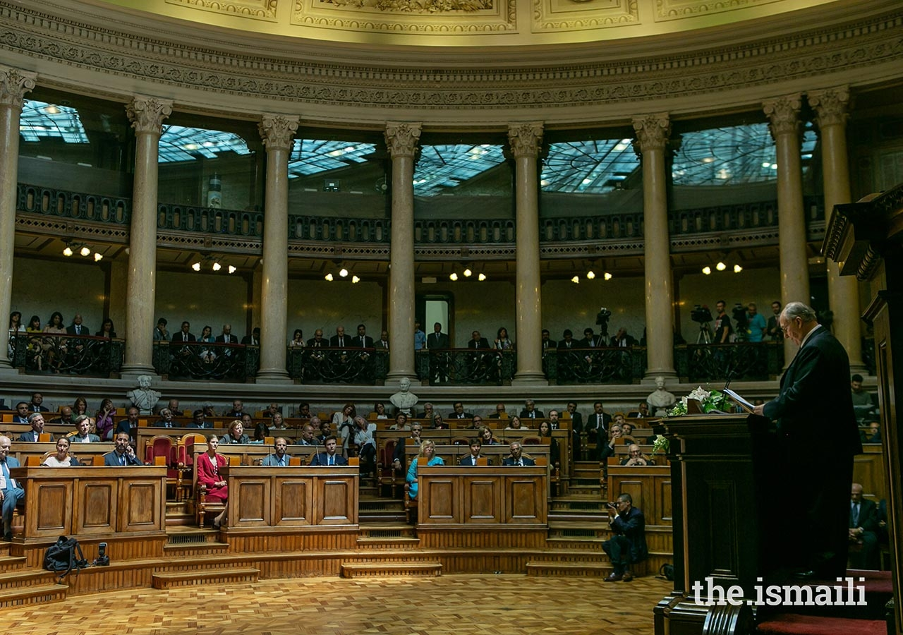 Mawlana Hazar Imam delivers an address in the Senate Chamber at Sāo Bento Palace on 10 July 2018.