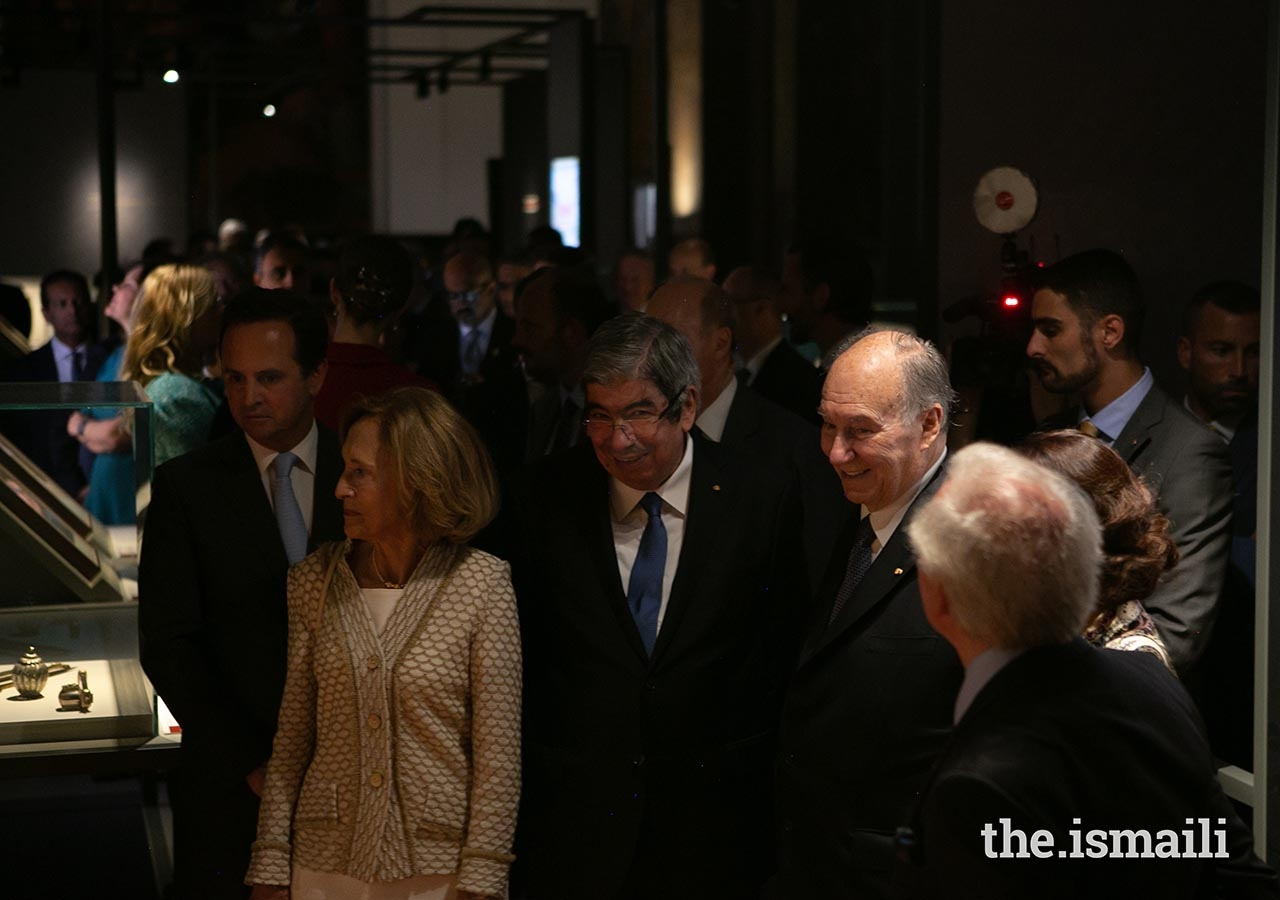 Mawlana Hazar Imam was joined by the President of the Assembly of the Republic, His Excellency Eduardo Ferro Rodrigues, as well as Lisbon Mayor Fernando Medina on the tour of the Aga Khan Museum Collections.