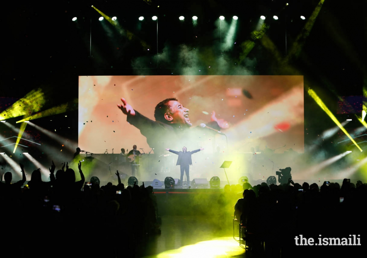 "Cheb Khaled performs ""C'est la vie"" at the ""Kings of Rhythm"" concert in Lisbon."
