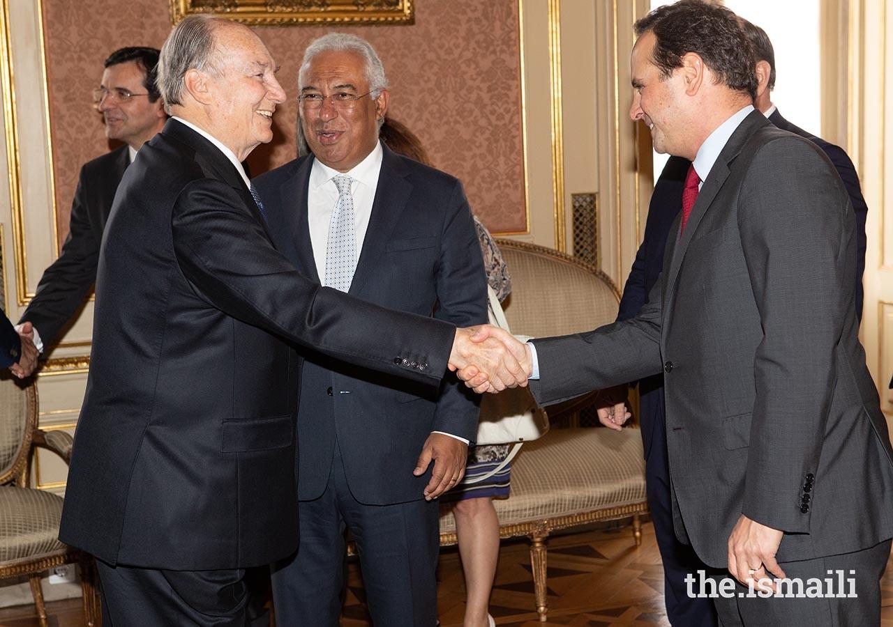 Mawlana Hazar Imam is greeted by Fernando Medina, Mayor of Lisbon at Palácio Foz.