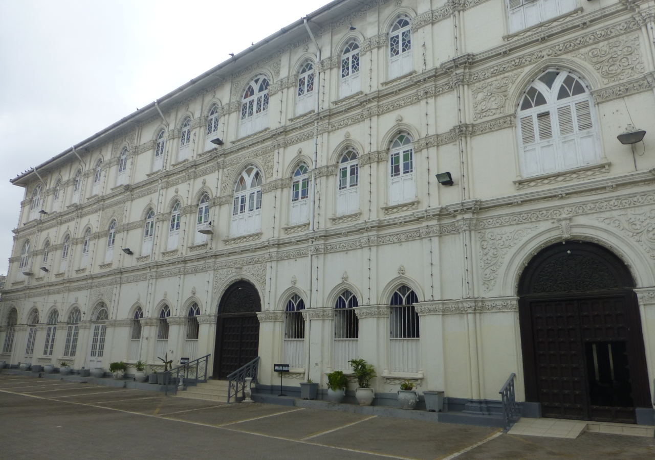 Kuze Jamatkhana, in Mombasa's Old Town, marked the 100th anniversary in 2014. The grandeur of the Jamatkhana shows how large the Jamat had become in East Africa in the early 1900s. The Jamat's first mukhi was appointed decades earlier in 1888.