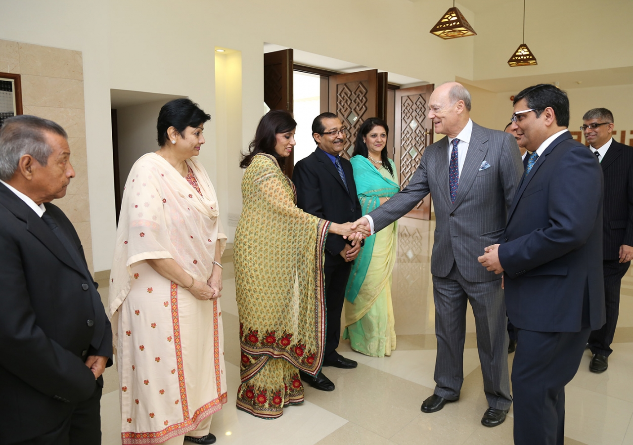 Prince Amyn is introduced to the leadership of the Dhaka and Chittagong Jamats by Ismaili Council for Bangladesh President Rai Sulaiman Ajanee. Ismaili Council for Bangladesh