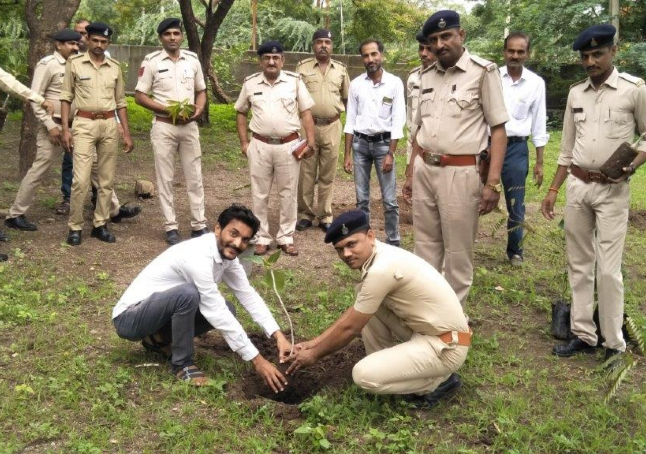 Police team commits to caring for trees