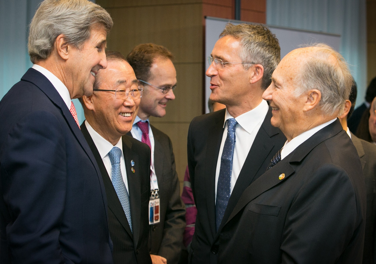 US Secretary of State John Kerry, UN Secretary General Ban Ki-moon, NATO Secretary General Jens Stoltenberg and Mawlana Hazar Imam at the Brussels Conference on Afghanistan. AKDN / Anya Campbell