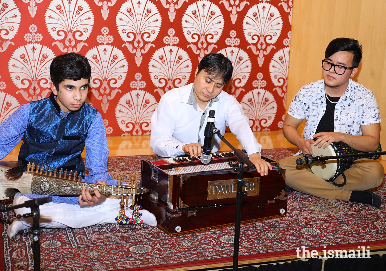 Local Toronto artists Ali Rajan, originally from Gilgit, playing the Rubab; Sameer Ameri, originally from Afghanistan, playing the Zerbaghali; and Safiulla Shirzay originally from Afghanistan, playing the Harmonium.