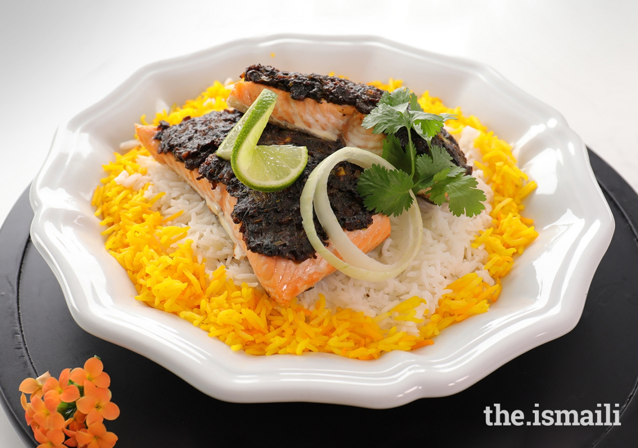 Baked Salmon with Ghalieh Topping