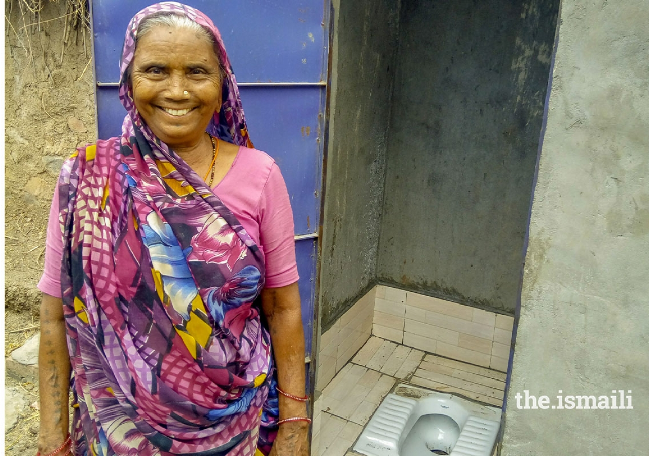 samjhu-ben-and-her-daughter-in-appreciation-of-their-new-toilet.-the-introduction-of-toilets-has-made-a-substantial-difference-to-community-health-outcomes-in-areas-where-akahi-has-implemented-its-ehip