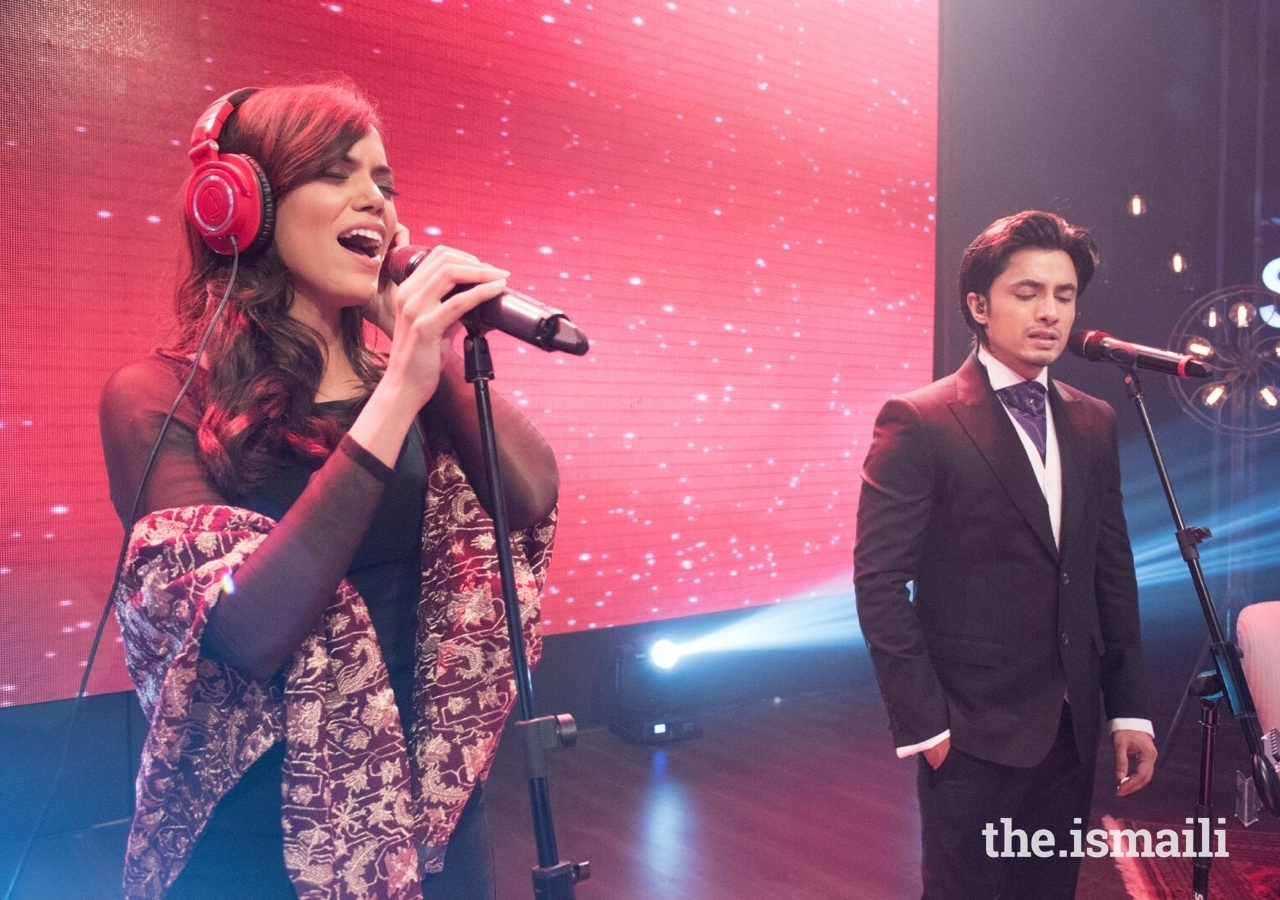 Sara achieved considerable acclaim as one of the chief backing singers on the popular show Coke Studio, before obtaining the chance as a lead singer.