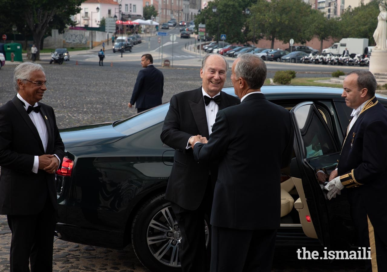 Mawlana Hazar Imam is greeted by Portuguese President Marcelo Rebelo de Sousa, upon his arrival to the Palace of Queluz.