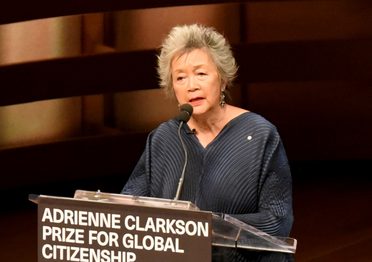 Adrienne Clarkson introduces Mawlana Hazar Imam, recipient of the inaugural Adrienne Clarkson Prize for Global Citizenship. Vazir Karsan