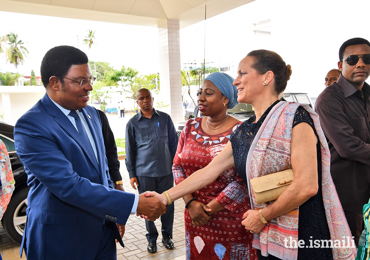 Princess Zahra receiving Tanzania's Prime Minister, Hon. Kassim Majaliwa, for the opening of Phase II of The Aga Khan Hospital, Dar Es Salaam on 9 March 2019.