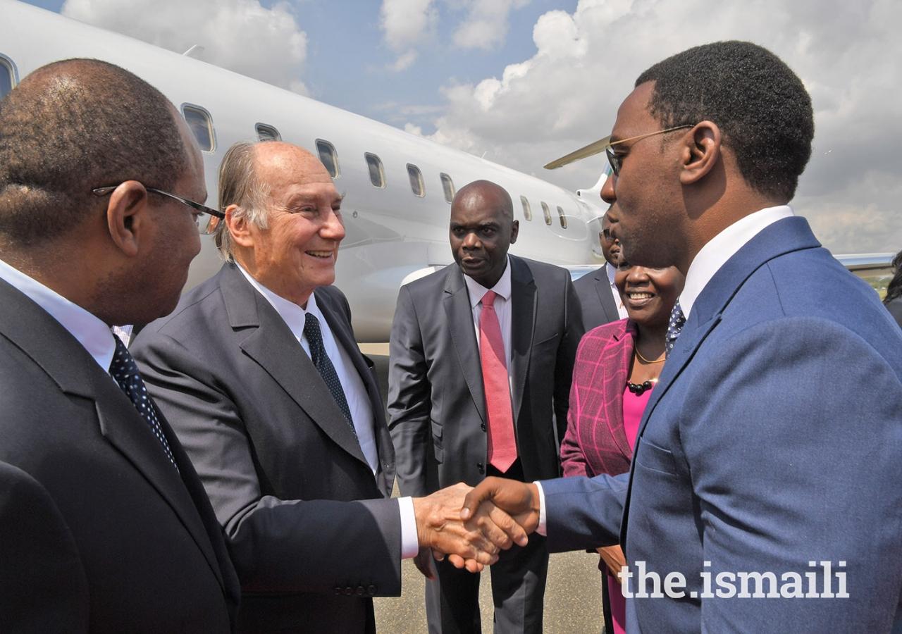 Mawlana Hazar Imam greets Dar es Salaam Regional Commissioner Mr. Paul Makonda at Julius Nyerere Airport.