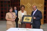 Presidents Mohamed Manji and Samira Alibhai, of the Ismaili Councils for Canada and British Columbia, present a gift — the Bismillah Raven by Sherazad Jamal — to the Governor General. The gift represents a multiplicity of expressions and the c