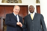 Mawlana Hazar Imam and President Museveni meet at the State House in Entebbe, Uganda. AKDN / Zahur Ramji