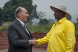 Mawlana Hazar Imam and President Yoweri Museveni on the land granted in Nakawa for the new Aga Khan University Hospital, Kampala. AKDN / Will Boase