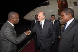 Mawlana Hazar Imam is welcomed by Tanzanian Ministers, Dr Shukur Jumanne Kawambwa and Bernard Kamilius Membe, upon his arrival in Dar es Salaam. AKDN / Zahur Ramji