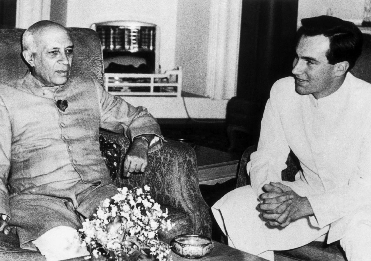 Mawlana Hazar Imam meeting with Pandit Jawaharlal Nehru, the first Prime Minister of India. (New Delhi, 1958) AKDN