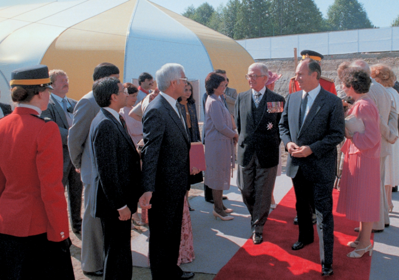 Mawlana Hazar Imam and the Lieutenant Governor of British Columbia greet guests at the Foundation Ceremony of the Ismaili Centre, Vancouver.