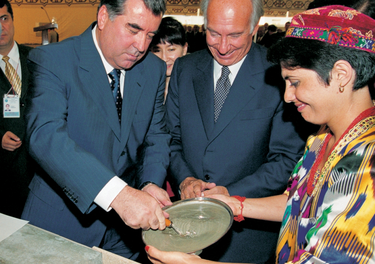 Mawlana Hazar Imam watches as Tajikistan's President Emomali Rahmon lays the foundation of the new Ismaili Centre in Dushanbe.