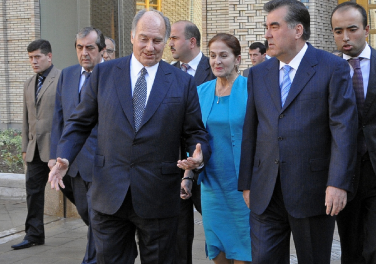 Mawlana Hazar Imam and President Rahmon tour the newly completed Ismaili Centre, Dushanbe.