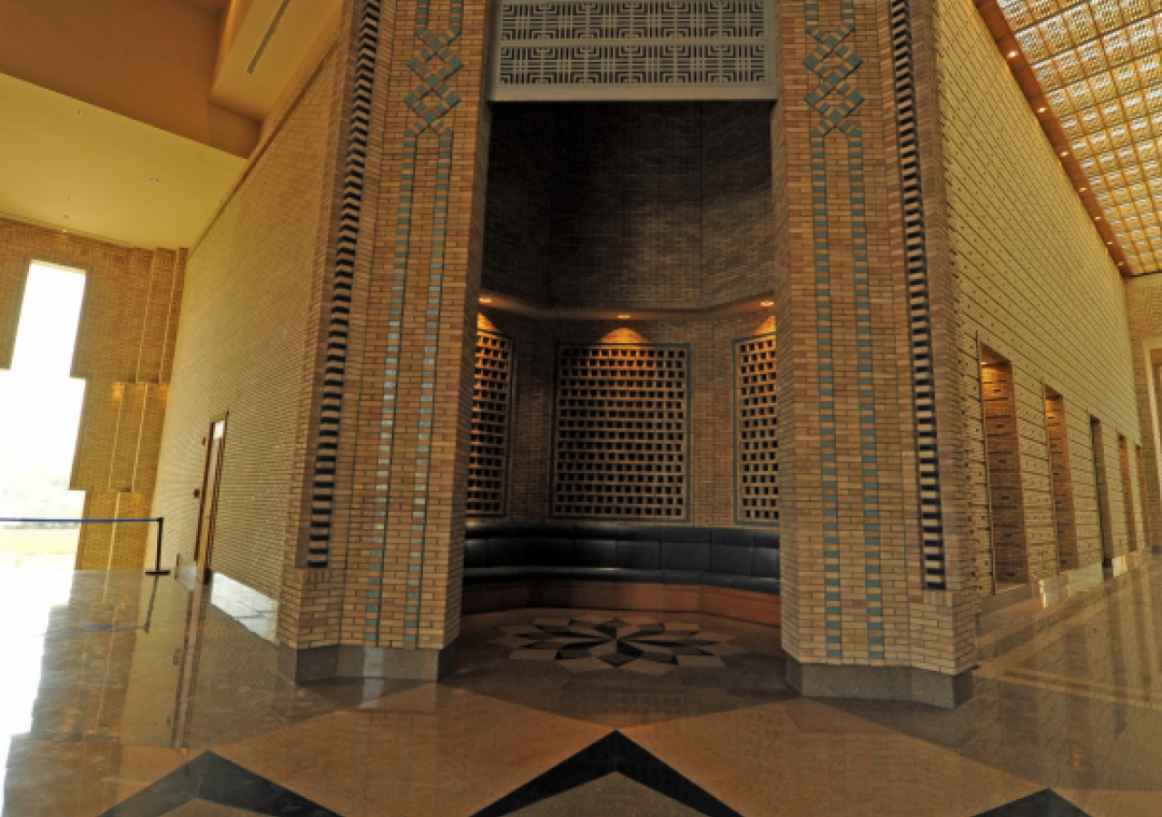 An alcove at the Main Entrance of the building. Notice the granite floor patterns.