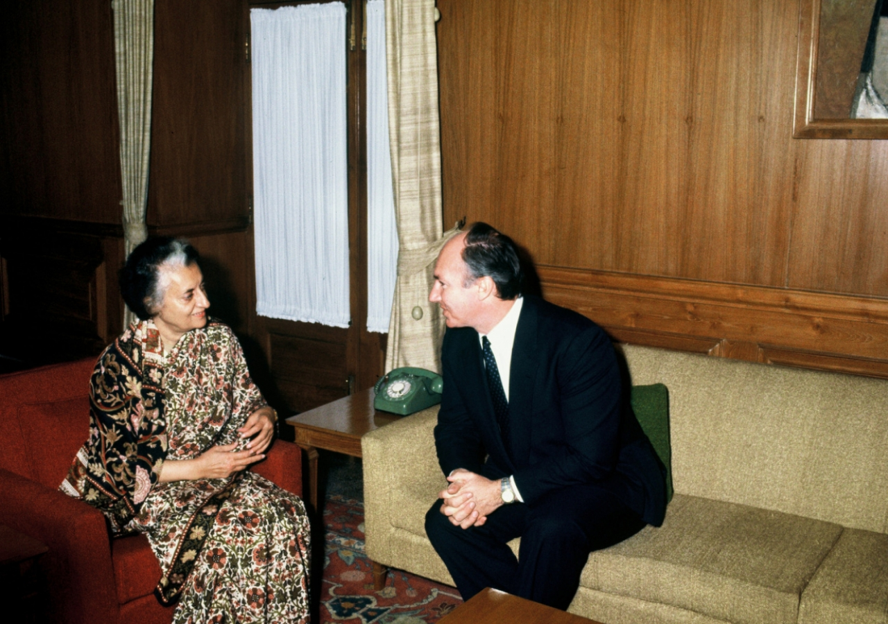Mawlana Hazar Imam meets with Prime Minister Indira Gandhi at the Presidential House, Rashtrapati Bhavan, during his Silver Jubilee visit to India as a guest of the Government. (New Delhi, 1983) Subhash Chander