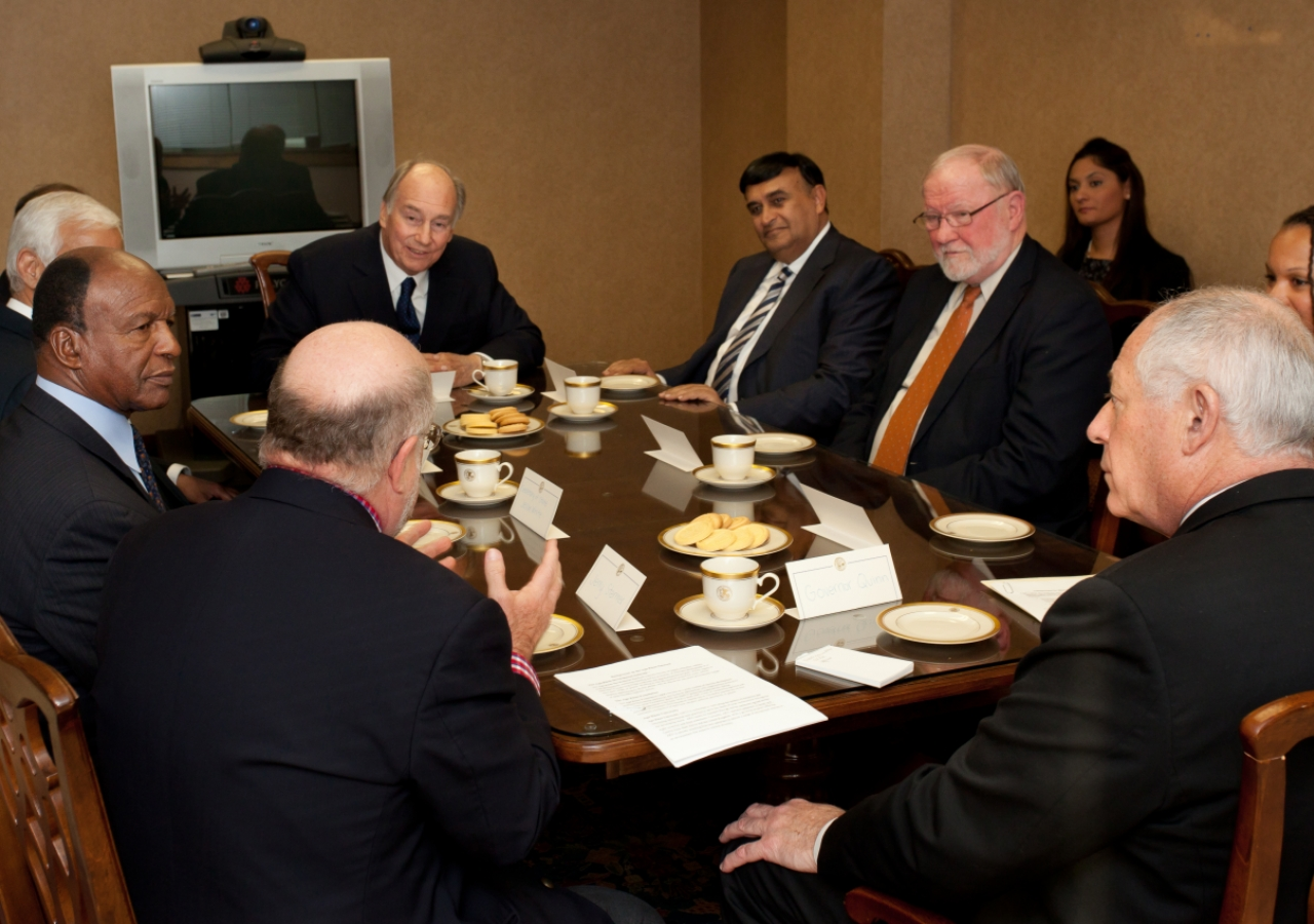 Mawlana Hazar Imam, Illinois Governor Pat Quinn, Deputy Governor Cristal Thomas and other representatives of the State of Illinois and the Aga Khan Development Network discuss areas of mutual interest, including early childhood education.