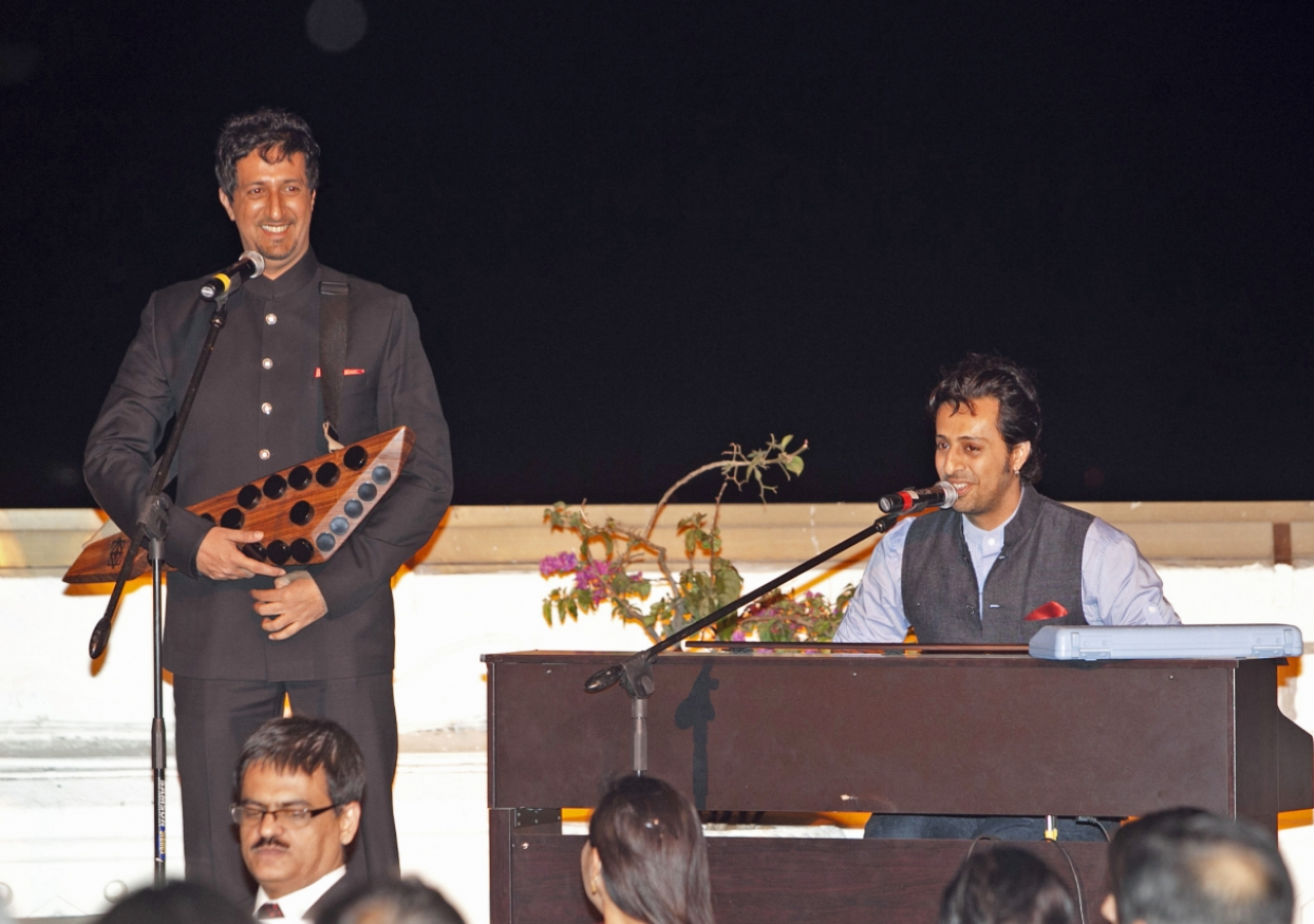 Salim and Sulaiman perform at the Jamati institutional dinner in honour of Princess Zahra.