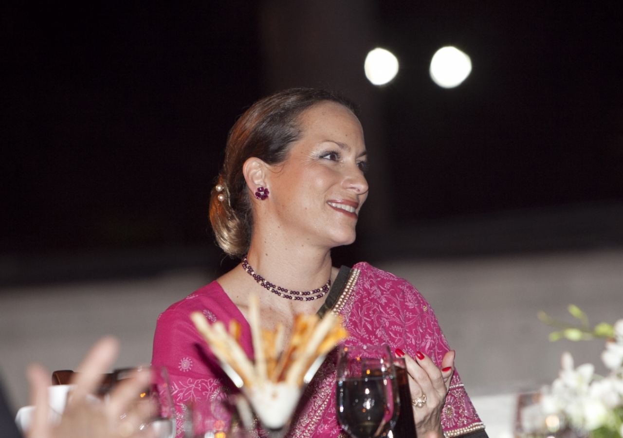 Princess Zahra, who was in Mumbai to review the ongoing expansion of the Prince Aly Khan Hospital, attends a dinner hosted by the Jamati institutions of India.