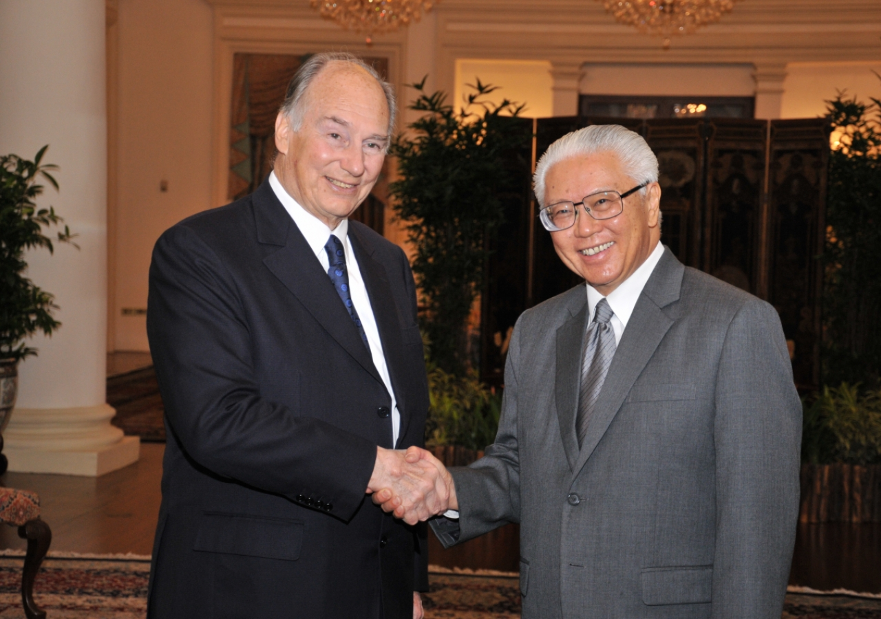 Mawlana Hazar Imam meets with the President of Singapore, Dr Tony Tan Keng Yam, at the Istana.