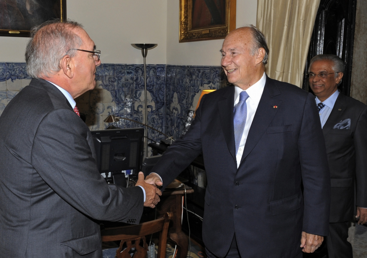 Mawlana Hazar Imam meets with Portugal's Minister of Foreign Affairs, Rui Machete, at the Foreign Office, as AKDN Resident Representative Nazim Ahmad looks on.