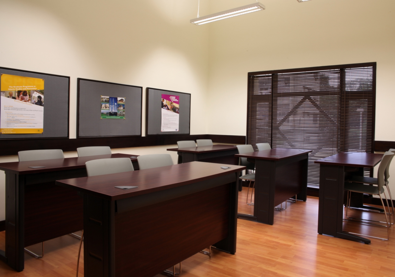 This classroom can also be reconfigured to serve as a meeting space.