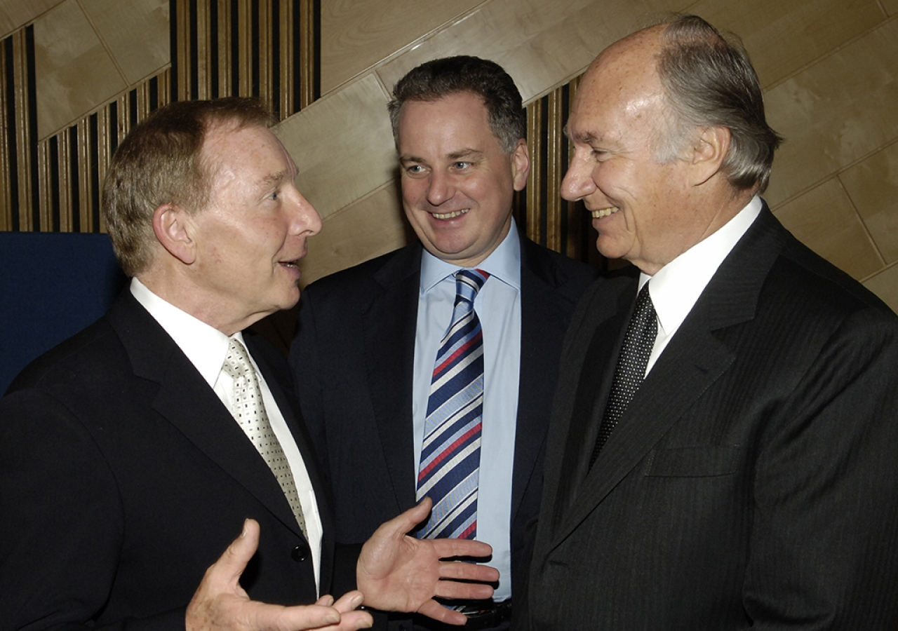 Mawlana Hazar Imam, Sir Tom Farmer, Scottish recipient (left) and the Rt. Hon. Jack McConnell, First Minister of Scotland (centre) hold discussions before the Award Ceremony, Edinburgh, 4 October 2005.