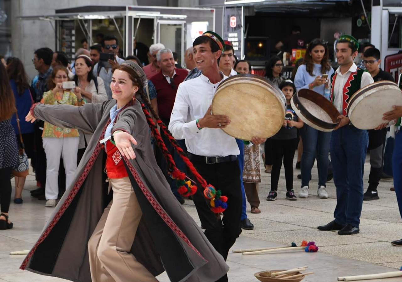 A Central Asian dance workshop was held at Feira Internacional de Lisboa 1.