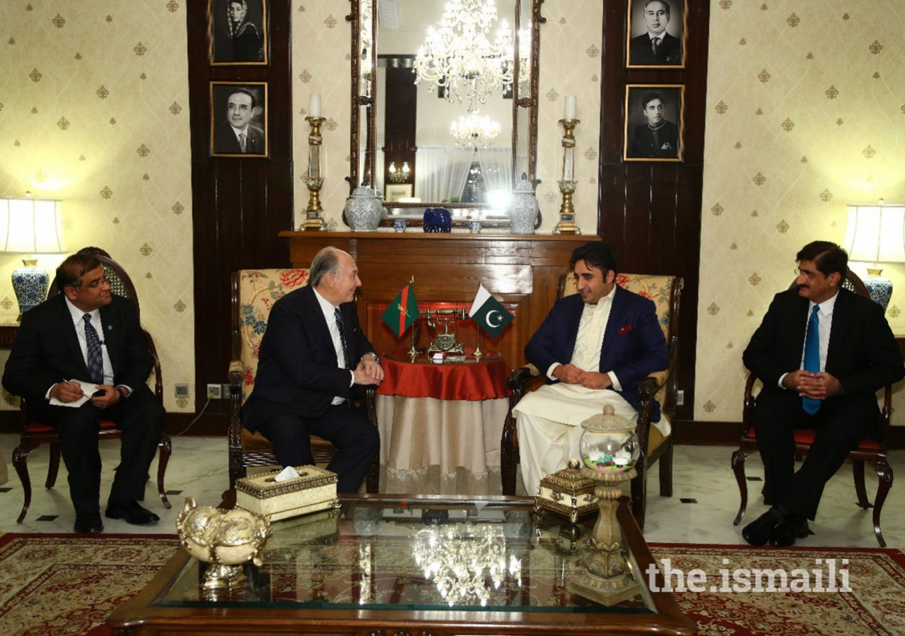 Mawlana Hazar Imam in discussion with Chief Minister of Sindh Syed Murad Ali Shah and Pakistan Peoples Party Chairman Bilawal Bhutto Zardari at the Chief Minister's house in Karachi in advance of the dinner