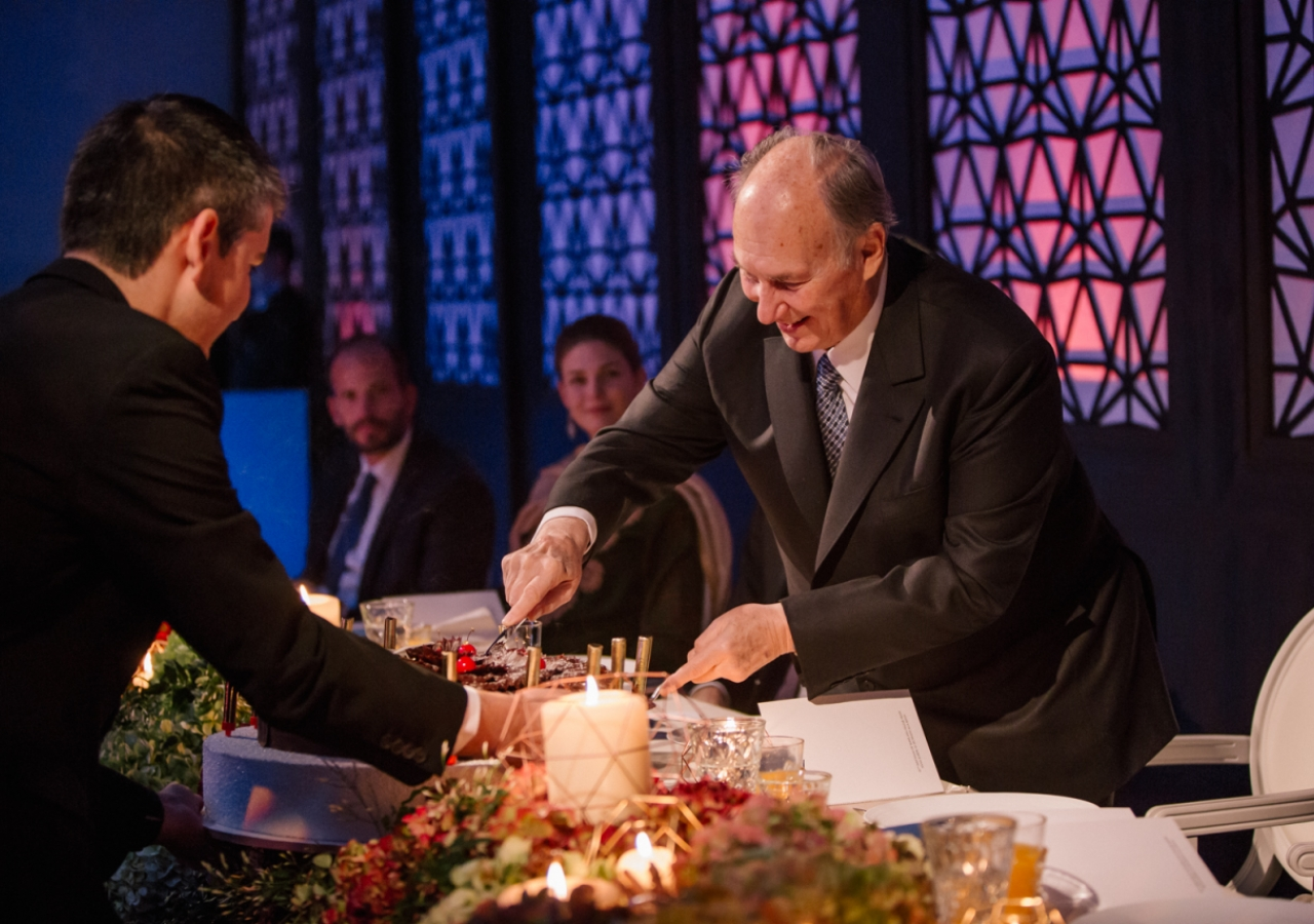 Mawlana Hazar Imam cuts his birthday cake. Photo: Farhez Rayani