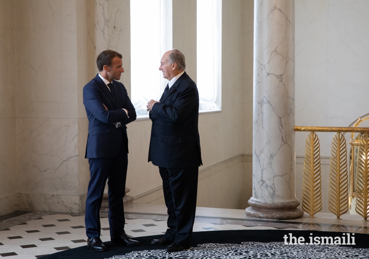 President Emmanuel Macron and Mawlana Hazar Imam in conversation upon arrival at the Élysée Palace.