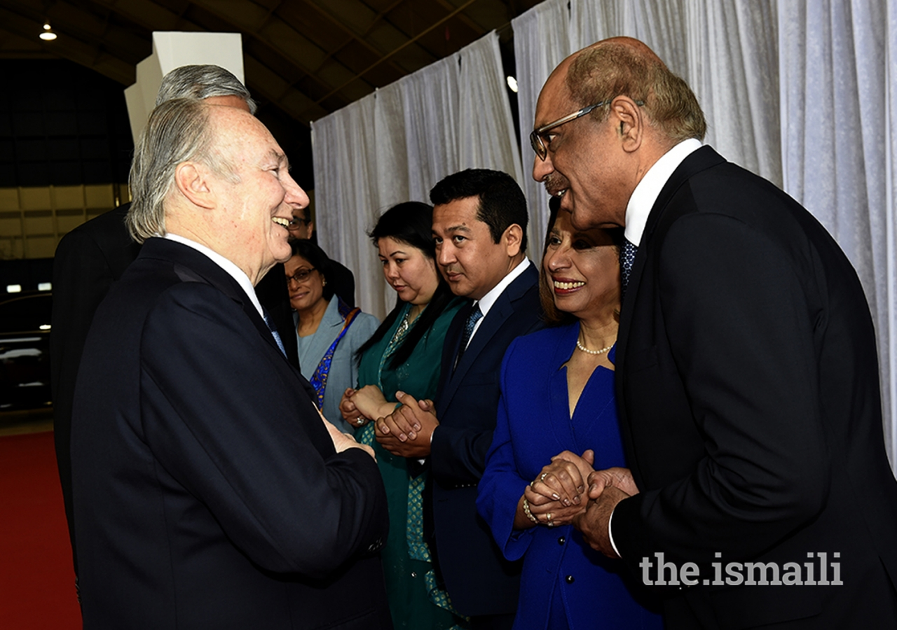 Ismaili Council for Ottawa President Bashir Surani bids farewell to Mawlana Hazar Imam on his departure from Ottawa.