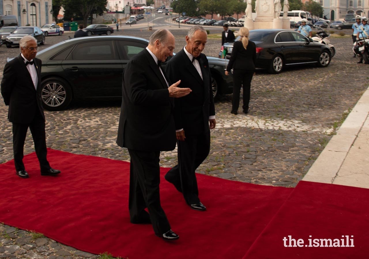 Mawlana Hazar Imam in conversation with President Marcelo Rebelo de Sousa, upon his arrival to the Palace of Queluz.